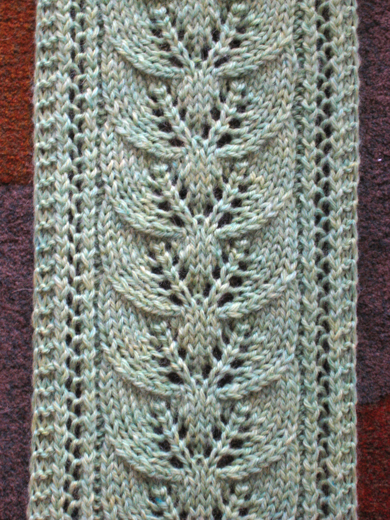Free Knit Leaf Scarf Pattern